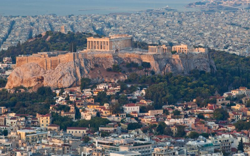 The cost to travel in Greece and how expensive is Greece